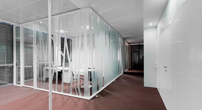 Ganar espacio dividiendo estancias en tu oficina
